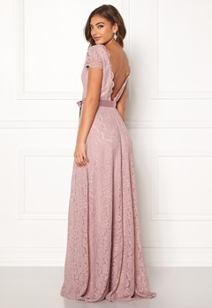 Moments New York Viola Lace Gown Dusty lilac Bubbleroom.se