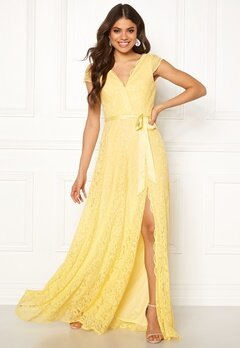Moments New York Viola Lace Gown Yellow Bubbleroom.se