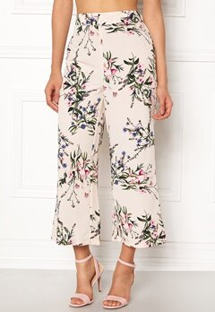 New Look Esme Floral Crop Offwhite Bubbleroom.no