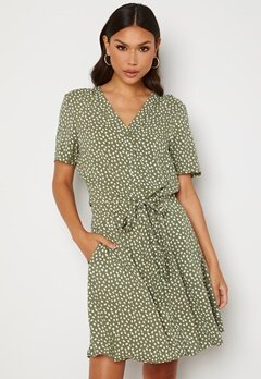 OBJECT Celeste SS Short Dress Deep Lichen Green AO Bubbleroom.se