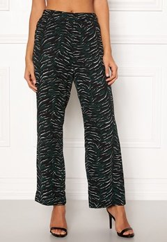 OBJECT Tiger MW Loose Pant Pine Grove Bubbleroom.se