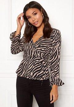 ONLY Addiction Wrap Shirt Black/Zebra Bubbleroom.se