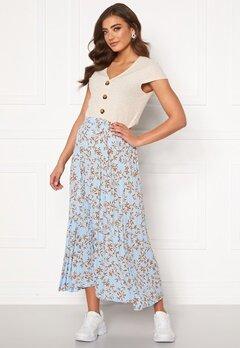 ONLY Alma Poly Plisse Skirt AOP Cashmere Blue Bubbleroom.se