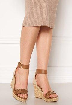 ONLY Amelia Wrap Eyelet Heeled Sandal Cognac Bubbleroom.se