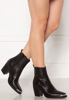 ONLY Belize PU Heeled Boot Black Bubbleroom.se