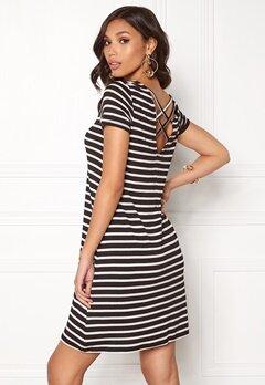 ONLY Bera Back Lace S/S Dress Black Stripes Bubbleroom.se