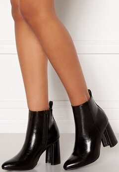 ONLY Brodie Pu Heeled Boot Black Bubbleroom.se