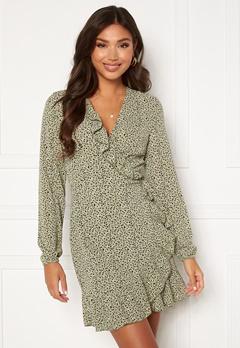 ONLY Carly L/S Wrap Dress Seagrass / Multi Dot Bubbleroom.se
