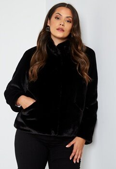 Only Carmakoma Vida Faux Fur Jacket Black bubbleroom.se