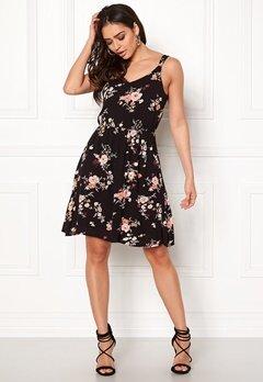 ONLY Karmen S/L Short Dress Black Flower Print Bubbleroom.se