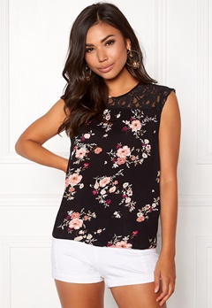 ONLY Karmen S/L Top AOP Black Flower Print Bubbleroom.se