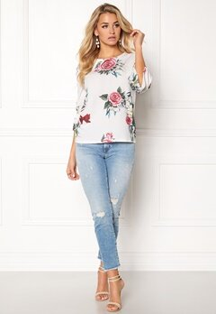 ONLY Kenni 3/4 Sleeve Top Cloud Dancer Flower Bubbleroom.se