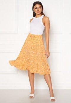 ONLY Nadja-Addiction Long AOP Skirt Golden Spice Bubbleroom.se