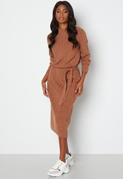 ONLY New Tessa L/S O-Neck Dress Argan Oil Det: Melan bubbleroom.se