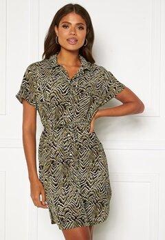 ONLY Nova Lux S/S Shirt Dress Kalamata AOP Bubbleroom.se