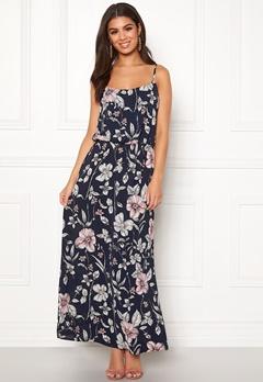 b1d635a10bb5 Billiga blommiga & mönstrade klänningar online | REA | Bubbleroom