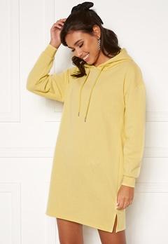 Pieces Chilli LS Sweat Dress Pale Banana Bubbleroom.se