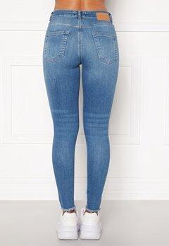 Pieces Delly Cropped Jeans Light blue denim Bubbleroom.se