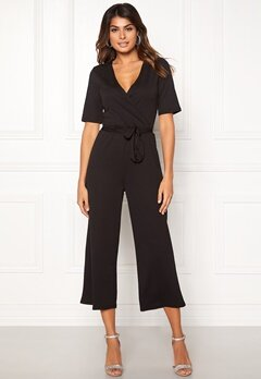 Pieces Duna 2/4 Cropped Jumpsuit Black Bubbleroom.se