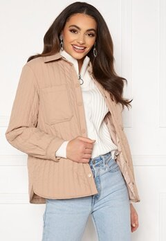 Pieces Gretzel Quilted Overshirt Warm Taupe Bubbleroom.se