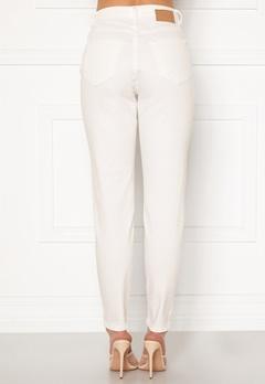 Pieces Leah Mom HW Jeans Bright White Bubbleroom.se