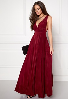 Goddiva Pleated Oscar Maxi Dress Wine Bubbleroom.se