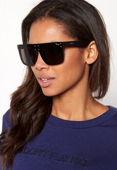 Quay Australia Hidden Hills Sunglasses Black/Smoke Lens Bubbleroom.se