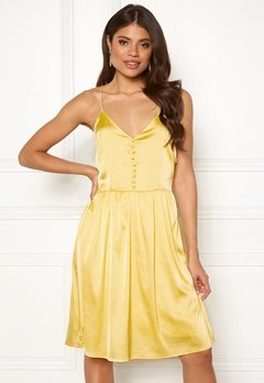 Rut & Circle Button Satin Dress 752 Butter Bubbleroom.se