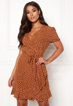 d9ccae221f32 Prickiga klänningar | Bubbleroom - Kläder & Skor online