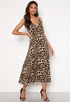 Sandra Willer X Bubbleroom Slit dress Leopard Bubbleroom.se