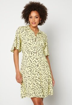 SELECTED FEMME Uma 2/4 Short Shirt Dress Young Wheat / AOP Bubbleroom.se