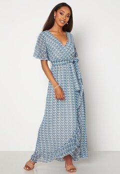 Sisters Point Gush Dress 116 Cream/Blue Bubbleroom.se