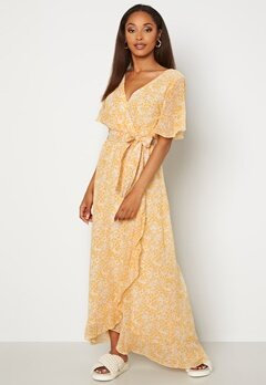 Sisters Point Gush Dress 116 Cream/Yel/Lilac bubbleroom.se