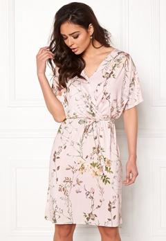 Sisters Point Lenda Dress 585 Rose/Flower Bubbleroom.se