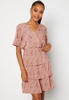 Sisters Point Nekko Dress 531 D.blush/ Cream Bubbleroom.se