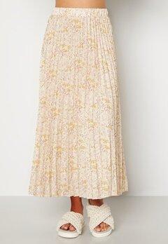 Sisters Point Nitro Skirt 116 Cream/Flower Bubbleroom.se