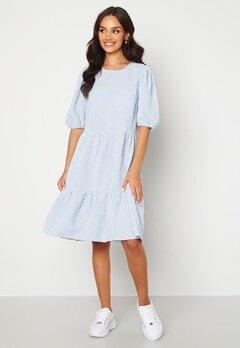 Sisters Point Vilka Dress 841 Blue/White Bubbleroom.se
