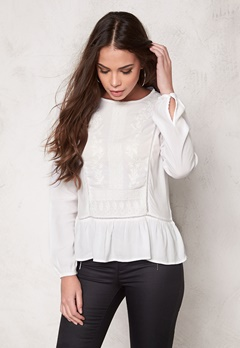 SOAKED IN LUXURY Eleanor Blouse Lily White Bubbleroom.se