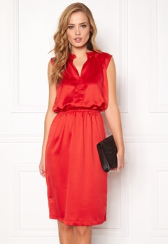 SOAKED IN LUXURY Portia Dress High Risk Red Bubbleroom.se