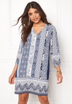 DRY LAKE Summer Walk Sleeve Dress Navy Print Bubbleroom.se
