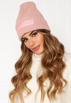 Svea Big Badge Svea Hat 505 Soft Pink Bubbleroom.se