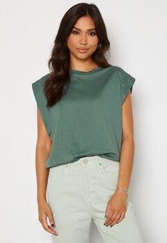 Trendyol Clara T-shirt Green Bubbleroom.se