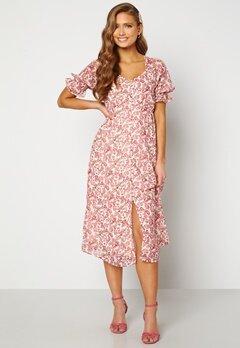 VERO MODA Anneline 2/4 V-Neck Dress Birch AOP: New Annel Bubbleroom.se