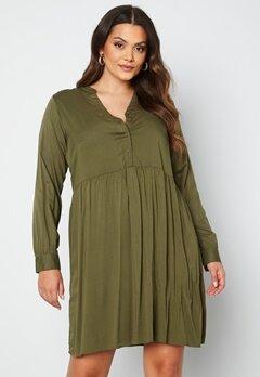 Vero Moda Curve Veronica LS Dress Ivy Green bubbleroom.se