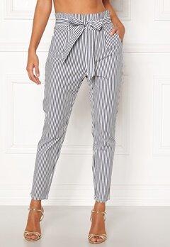 VERO MODA Eva Loose Paperbag Pants Snow White/stripes Bubbleroom.se