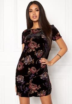 VERO MODA Fiona S/S Short Dress Black Comb 3 Lipstic Bubbleroom.se