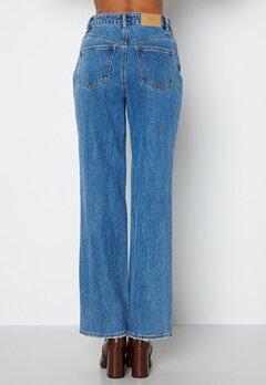 VERO MODA Kithy HR Loose Straight Jeans Medium Blue Denim bubbleroom.se