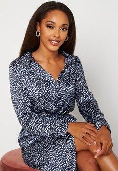 VERO MODA Leona Calf Shirt Dress Navy Blazer Bubbleroom.se