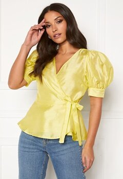 VERO MODA Loui 2/2 Wrap Top Sunny Lime Bubbleroom.se