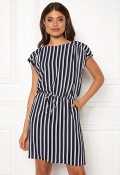 VERO MODA Sasha Bali Short Dress Navy Blazer/Stripe Bubbleroom.se